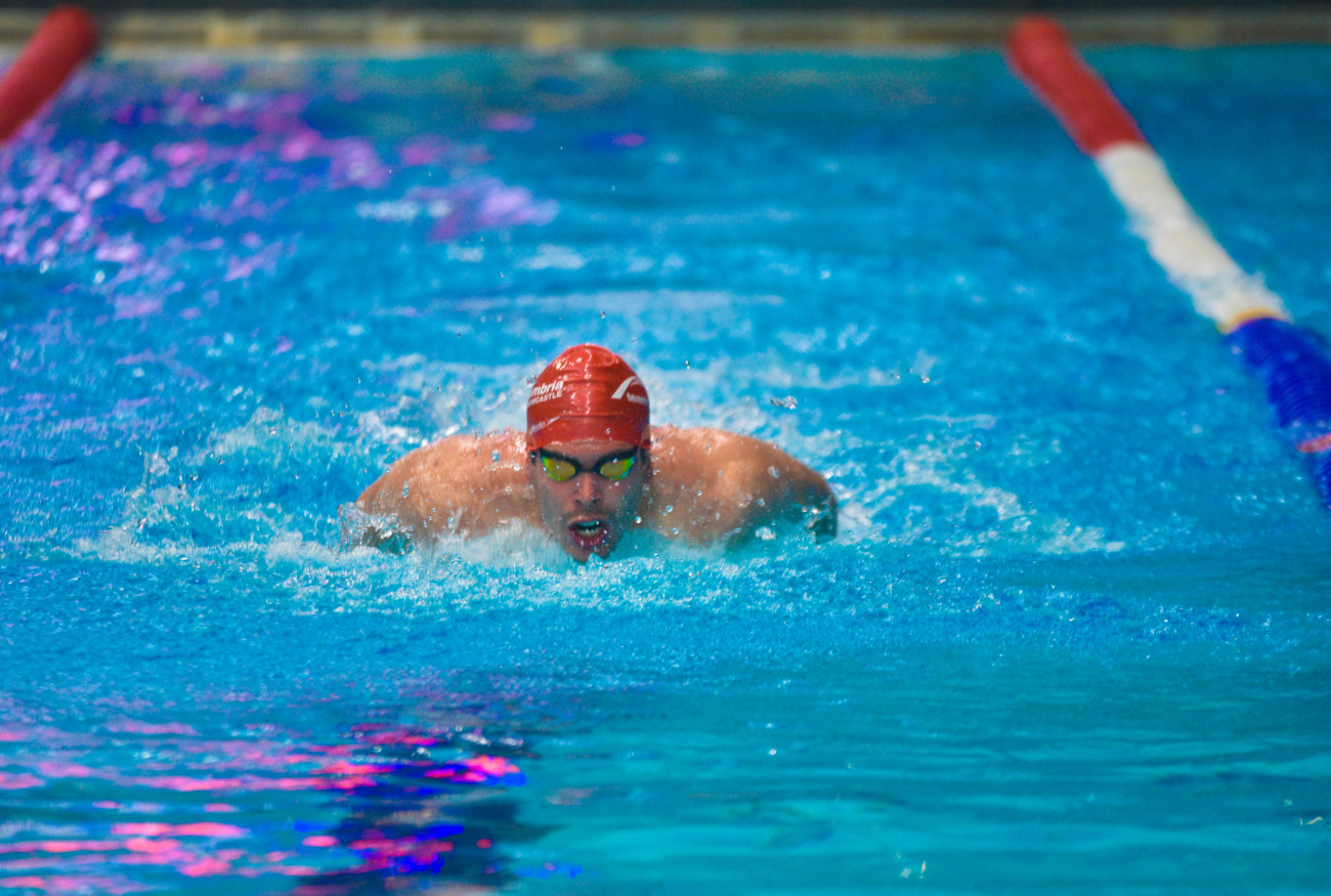Northumbria sport news northumbria 39 s weekend goes - Northumbria university swimming pool ...